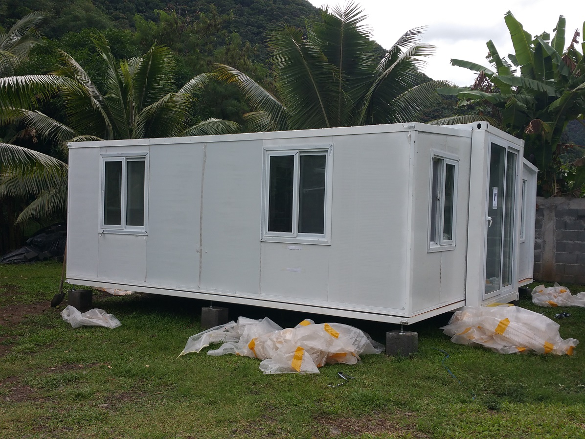 folding and opening container house -L